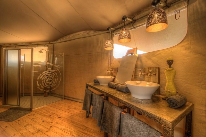 Tlouwana Camp I Luxury tented camp accommodation in Botswana on